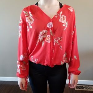 Collective Concepts tie sleeve red blouse size M